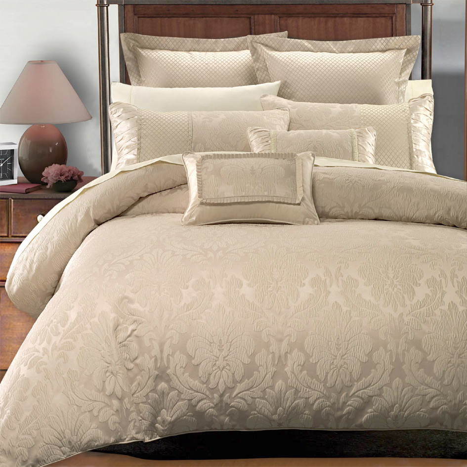 Egyptian Linens 208-2394  Sara Duvet Covers Set by Royal Hotel Collection