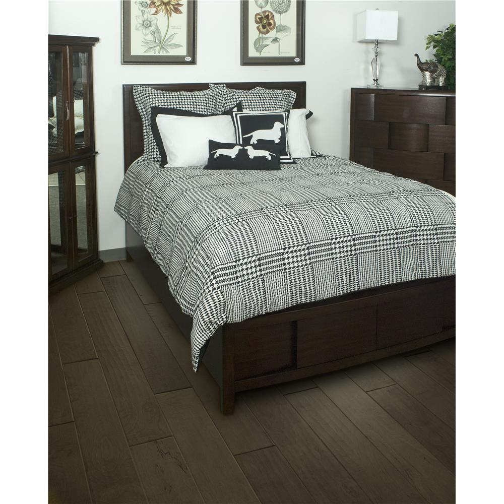 Rizzy Home BT1282 T This comforter is 100% Cotton and is designed in a plaid layout with the houndstooth design. The Shams are white with a black boarder.