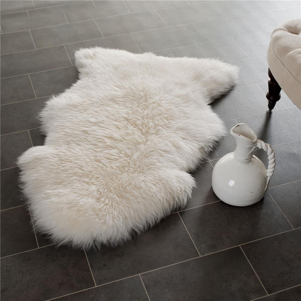 Safavieh SHS121A-2 Sheepskin Shag Area Rug in WHITE