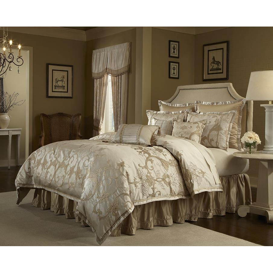 Veratex 571398 IVORY COMFORTER SET